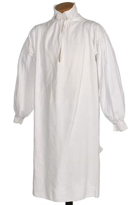 Lot 41-A fine gentleman's linen shirt, circa 1810
