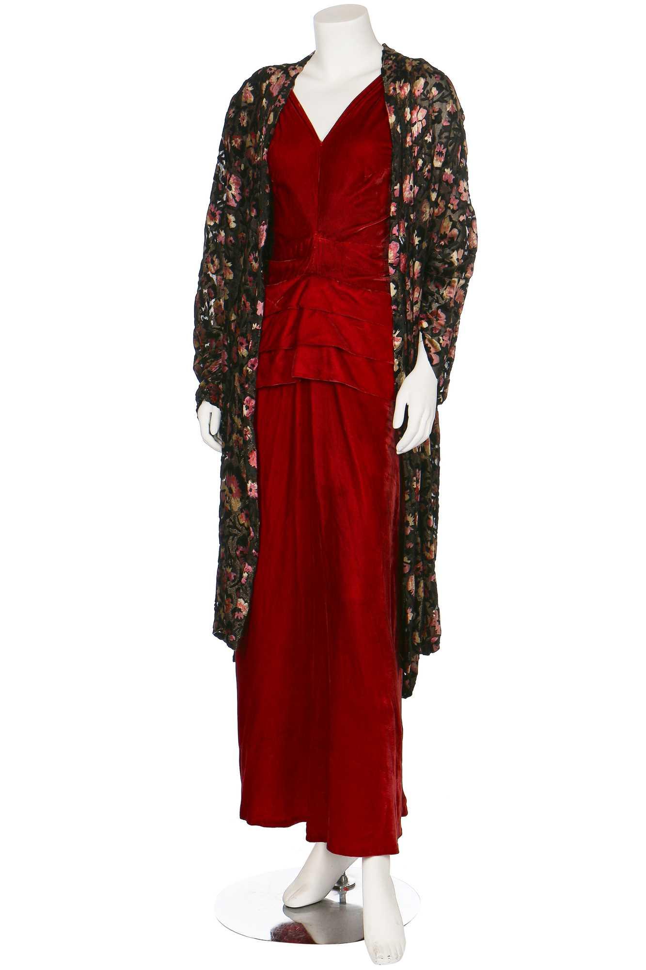 Lot 32-A devoré velvet and lamé evening coat, 1930s