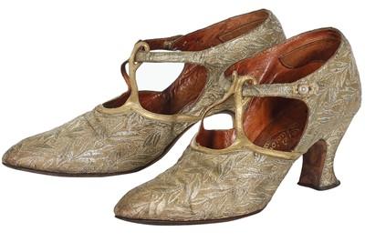 Lot 59 - A pair of Luciole lamé shoes, circa 1930