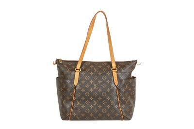 Lot 43 - A Louis Vuitton monogrammed leather Totally PM bag, 1990s