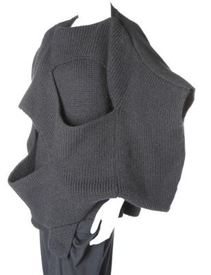Lot 184-A Comme des Garçons black knitted top,...