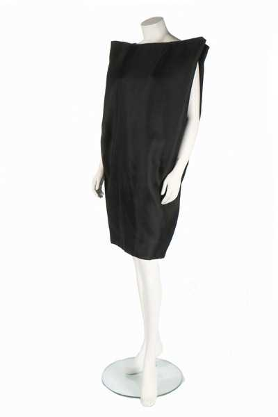 Lot 163-A rare Balenciaga couture black gazar '4-Sided'...